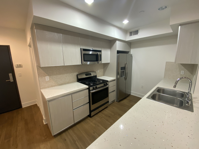 Rooms for rent in modern 4 br 3 ba apartments